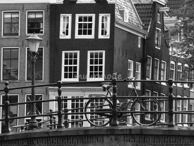 Super Vlies fotobehang Amsterdam Zwart Wit | Muurmode.nl #IL24