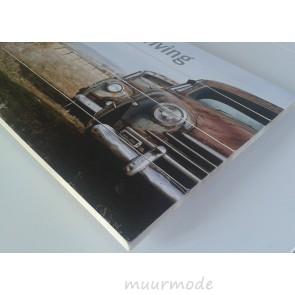 Foto Old car met tekst op hout