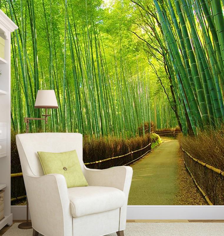 Fotobehang pad tussen groene bamboestengels