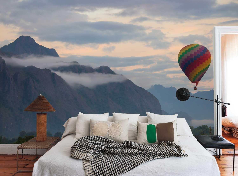 Vlies fotobehang Luchtballon in de bergen