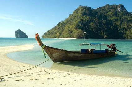 een visserbootje in Thailand