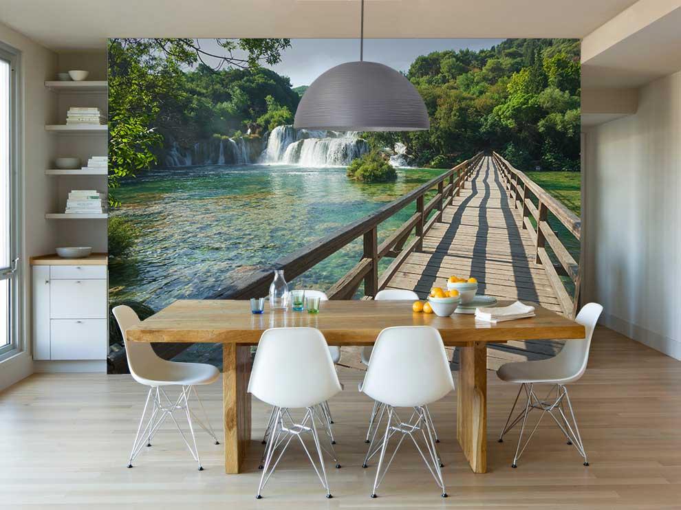 Vliesfotobehang Loopbrug naar watervallen